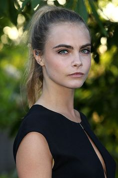 The Beauty Evolution of Cara Delevingne, from Model-on-the-Rise to It-Brit Icon