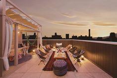 屋上グランピングを実現するプラスワンリビングのプランを紹介します。 Architecture Photo, Amazing Architecture, Rooftop Garden, Terrace, Hampshire House, My Ideal Home, Luxury Villa, Home Deco, Real Estate
