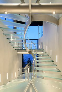 Enthralling Glass Staircases That Add Sculptural Style To Your Home