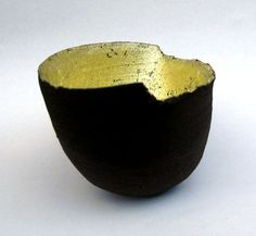 Claire Palastanga - Ceramic and gold leaf