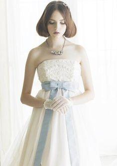 ♥Jill Stuart のデザイン♥ エンブロイダリーされたトップス、ブルーのリボン、チュールのスカート★