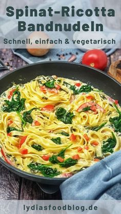 Ribbon pasta with ricotta and spinach, simple recipe These delicious ribbon pasta .Ribbon pasta with ricotta and spinach, simple recipe These delicious ribbon pasta with ricotta and fresh spinach are ready in no time. Crock Pot Recipes, Vegetarian Crockpot Recipes, Pasta Recipes, Chicken Recipes, Dinner Recipes, Healthy Recipes, Macaroni Recipes, Soap Recipes, Crockpot Meals