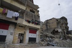 Life slowly returns to Aleppo, shattered by Syrian civil war