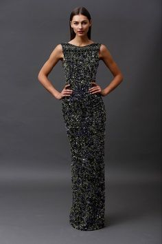 See the complete Badgley Mischka Pre-Fall 2015 collection.