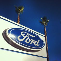 Could it BE a more beautiful day in So Cal? Hope your day is full of blue skies and #BlueOvals :)