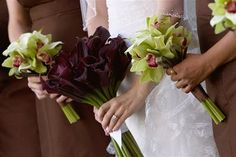 love the calla lillies!!! Almost the same as what me and my bridesmaids will be holding :)