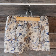 'Topshop' floral brocade skirt | Size: 6 | Brand new, with tags | $42 plus shipping | Comment on Instagram @FOX NOIR with your email to purchase.