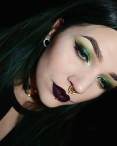 @lilacbat | Green eyeshadow + dark violet lips has to be one of my top favorite combo's. Love, love, love this!