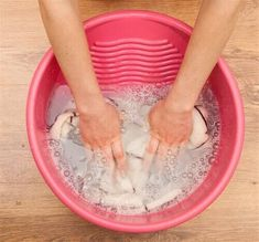 peroxide uses cleaning Limpieza Natural, Bokashi, Bra Hacks, Laundry Hacks, Tidy Up, Home Hacks, Healthy Tips, Homemaking, Clean House
