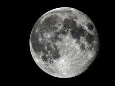 Photo of the full moon.