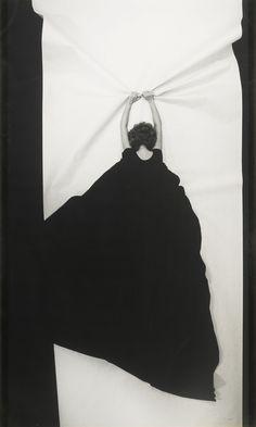 Helena Almeida :: Ponto de Fuga, 1982                                                                                                                                                                                 Mais