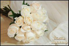Rosas completamente blancas