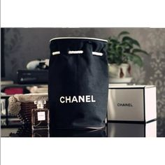 Chanel VIP gift Brand new Chanel bag cosmetic makeup bag VIP gift given to f473af446bb87