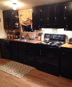 manufactured home makeover  (kitchen after)