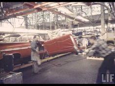 vintage chevrolet assembly line photos ile ilgili görsel sonucu Chevrolet Impala 1959, 59 Chevy Impala, American Classic Cars, Old Classic Cars, Chevy Models, Car Poses, Line Photo, Assembly Line, Chevy Muscle Cars