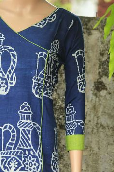 Kurtis has become a very integral outfit it Indian fashion industry. From parties to casual wear for your work every day, Kurtis has become a big fashion statement.indigo with green kurtisHow to front design of kurtha Salwar Neck Patterns, Salwar Pattern, Salwar Neck Designs, Kurta Neck Design, Kurta Designs Women, Dress Neck Designs, Dress Patterns, Blouse Designs, Chudidhar Designs