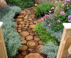 Herb gardening is becoming more and more popular every day, and for a good reason. Herbs have practical value, serve a purpose, and with herb gardening you can actually use your plants. When most people think of herb gardening they Diy Garden, Dream Garden, Home And Garden, Garden Art, Wooden Garden, Herb Garden, Spring Garden, Shade Garden, Cute Garden Ideas