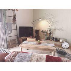 憧れのこなれインテリアに♡ラダーシェルフを使ったインテリア術6選 - LOCARI(ロカリ) Apartment Interior, Room Interior, Interior Design, Japan Interior, Interior Concept, Moving House, Cozy Bedroom, House Rooms, Home Living Room