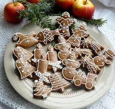 Vánoční perníčky Nature / Zboží prodejce Perníčky ze mlýna | Fler.cz Christmas Gingerbread, Christmas Candy, Christmas Treats, Christmas Baking, Gingerbread Cookies, Gingerbread Houses, Sugar Plums Dancing, Biscuits, Ginger Cookies