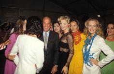 Oscar de la Renta Backstage 1992Models: Eva Herzigova, Claudia Mason, Karen Mulder and others
