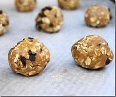 Peanut Butter Oatmeal Cookie Dough Balls  - No-bake!