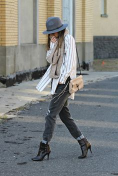 Street style tip of the day: Baggy jeans via @stylelist | http://aol.it/1y455cT