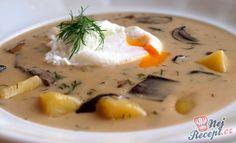 Kulajda - a popular Czech soup with mushrooms Top-Rezepte. Free Food, Soup Recipes, Panna Cotta, Stuffed Mushrooms, Curry, Food And Drink, Eggs, Yummy Food, Breakfast