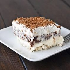 A dessert bond with extraordinary name united with exceptional taste. Various opinions will rise up upon hearing this dessert's name. What is really this dessert, and how to serve one? This dessert… Bon Dessert, Eat Dessert First, Cheese Dessert, Yummy Treats, Sweet Treats, Yummy Food, 13 Desserts, Dessert Recipes, Dessert Healthy