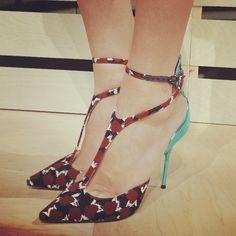 Olá, bonita!  Amor estes sapatos @ JCrew, eu estou tão em t-cintas agora.