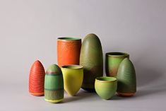 Pippin Drysdale, many variations of the same form, all incised with colored slips Pottery Painting, Ceramic Painting, Ceramic Artists, Ceramic Pottery, Pottery Art, Ap Art, Ceramic Design, Art Projects, Clay