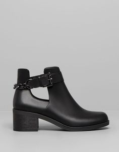 Pull&Bear - femme - chaussures femme - bottines à talon et chaîne - noir - 15285311-I2014