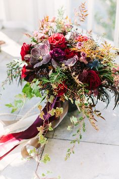 In love with this winter bouquet ~ we ❤ this! moncheribridals.com