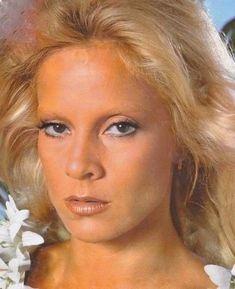 SYLVIE 1980 AUX SEYCHELLES Vartan Sylvie, Star Francaise, Brigitte Bardot, David, Singer, Glamour, Actresses, Seychelles, Blondes