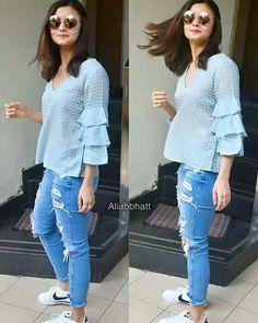Alia snapped at Bandra