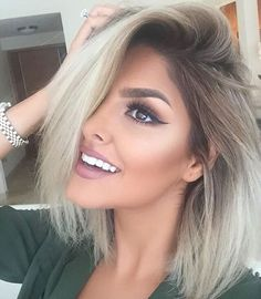 7 Ways to Rock Rooty Hair – Trendy Ombre Balayage Hairstyles - Frisuren Site Blonde Bob Hairstyles, Pretty Hairstyles, Blonde Bobs, Dark Roots Blonde Hair Short, Blonde Hair With Brown Roots, From Brunette To Blonde, Blonde Hair With Color, Blonde Hair With Dark Roots, Dark Roots Blonde Hair Balayage