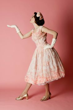 Vintage 1950s wedding dress-- I like this for an everyday dress.
