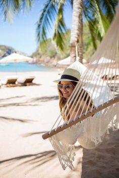 Summer Breeze, Summer Vibes, Vacaciones Gif, Paradis Tropical, Surf, Gal Meets Glam, Foto Pose, Summer Hats, Style Vintage