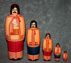 "VTG Wooden RUSSIAN UKRAINIAN MATRYOSHKA HUTSULS 5 pc 8"" Wood Nesting Dolls USSR"