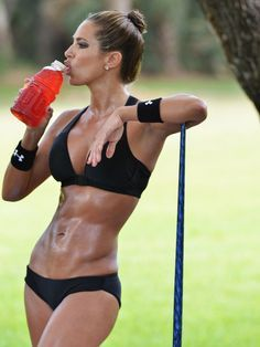 Jennifer Nicole Lee Workout Routine and Diet Plan - Healthy Celeb Fitness Lady, Sport Fitness, Body Fitness, Fitness Tips, Health Fitness, Fitness Women, Fitness Quotes, Jennifer Nicole Lee, Fitness Inspiration