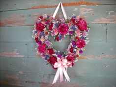 Pink Burgandy and Red dried flower heart Door Hangers, Door Wreaths, Dried Flowers, Valentines Day, Floral Wreath, Heart, Creative, Red, Pink