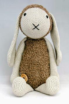 Haakpatroon konijn Kiki #haken #haakpatroon #amigurimi #gehaakt #knuffel #crochet #crocheting #crochetpattern #konijn