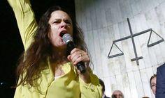Segundo Janaína Paschoal, 'Deus' é golpista e quer proteger corruptos