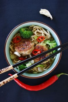 Chicken meatballs in asian broth by/ myfoodpassion.net
