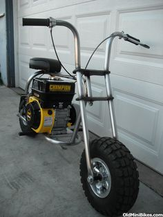 I'm gonna build one like this soon, just need the cash to buy the parts. Cheap Electric Scooters, Bike Cargo Trailer, Concept Motorcycles, Moto Cafe, Trailer Plans, Drift Trike, Motor Scooters, Small Engine, Pedal Cars