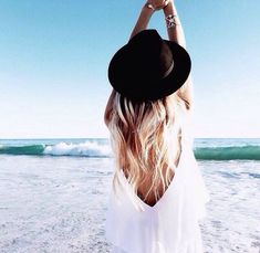 {beachy} style. love this open back dress!