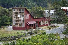 Kamikatz Public House / Hiroshi Nakamura & NAP