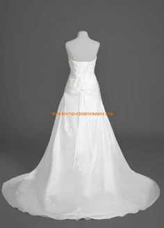 Robe de mariée bustier avec traîne en satin broderie