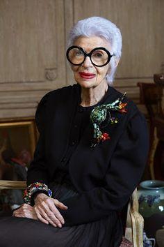 La Petite Anglaise looks at Iris Apfel, nonogenarian New Yorker, front row veteran, jewellery designer and true style icon.