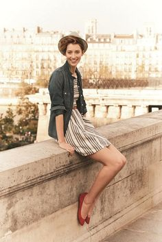 The dress, the rolled up sleeves, the pointy flats - oh la la, my idea of spring perfection!
