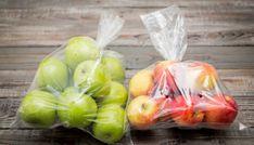 Πόσα τρόφιμα έχετε πετάξει; Πόσα φρούτα, λαχανικά και άλλες τροφές σε σακουλάκια σας έχουν μπαγιατέψει και τις πετάτε κατά καιρούς; Βάλτε τέλος στο πέταμα των μπαγιάτικων τροφίμων με αυτό το πανέξυπνο κόλπο. Αυτό που κάνετε συνήθως από τη στιγμή που θα ανοίξετε τη συσκευασία ενός προϊόντος και θα χρησιμοποιήσετε λίγο από αυτό, είναι να προσπαθήσετε